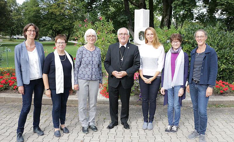 Bischof Diskutiert Mit Besucherinnen Uber Maria 2 0 Diozese Rottenburg Stuttgart